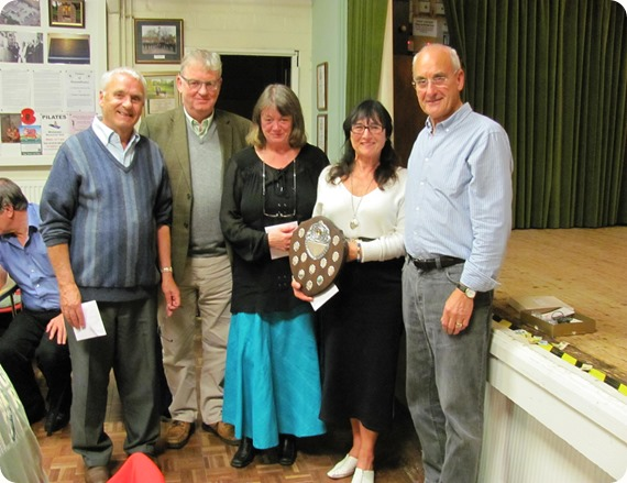Treble Chance receive the Fred Lorimer trophy from Peter  Wainwright Quizmaster