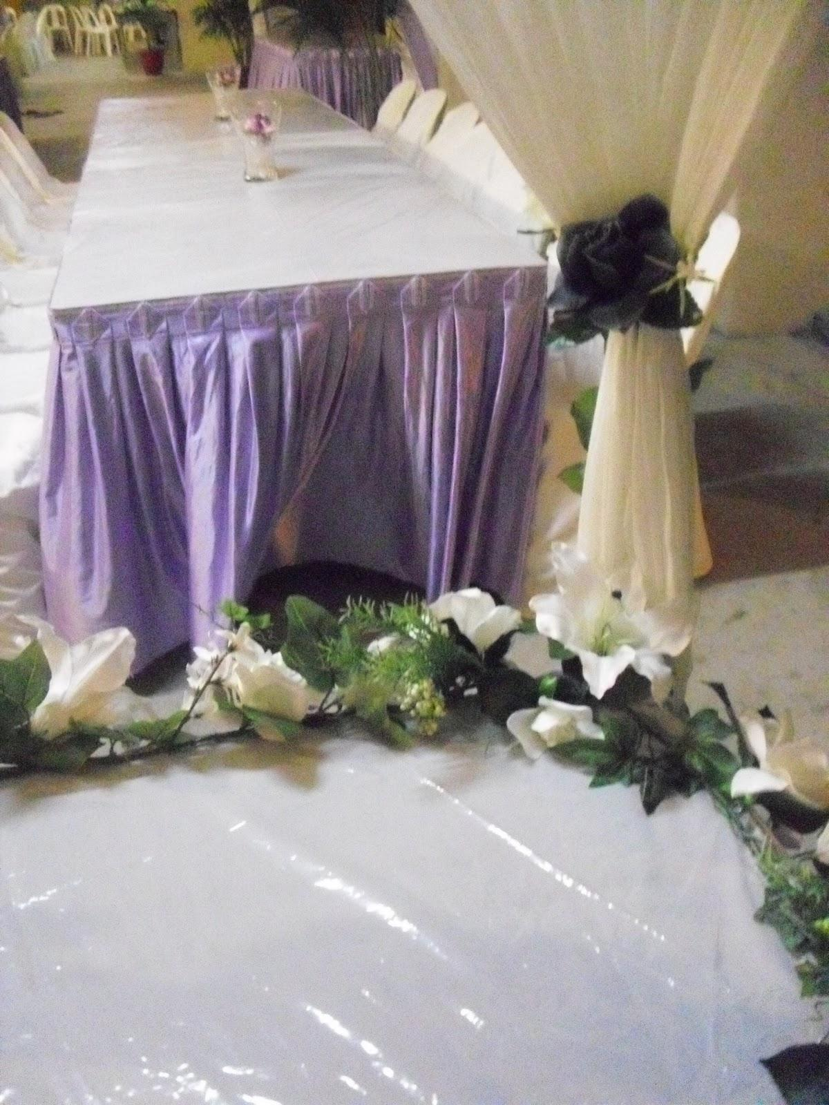 Pelamin Purple & White Concept