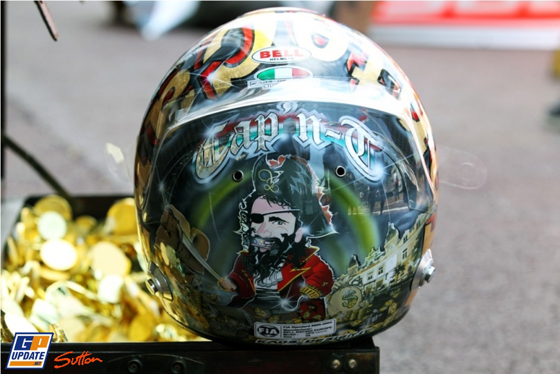 пиратский шлем Витантонио Льюцци специально для Гран-при Монако 2011 вид сзади