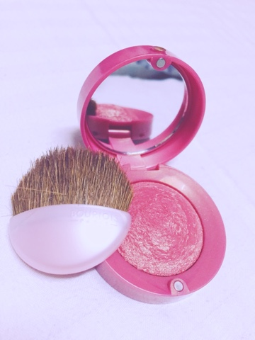 Bourjois blush in 33 LILAS D'OR .