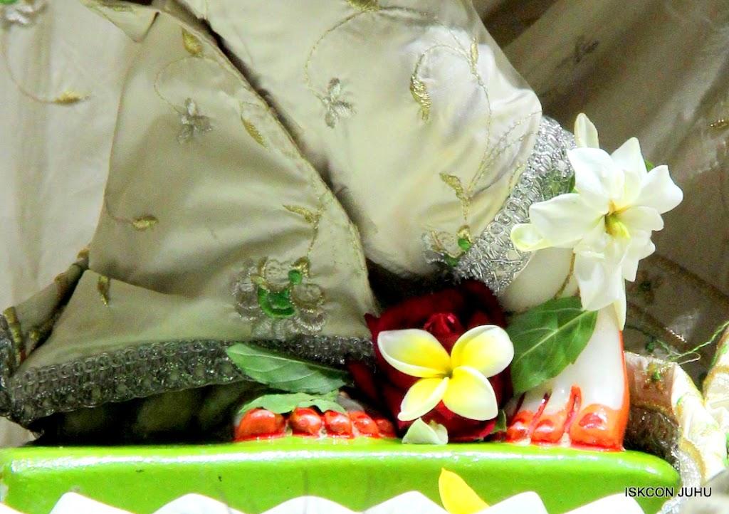 ISKCON Juhu Mangal Deity Darshan 21 Jan 16 (24)