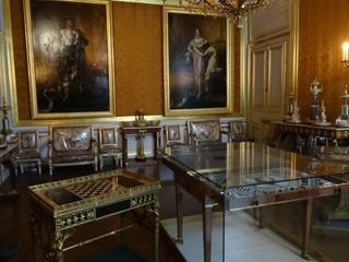 2015.08.08-011 les cadeaux à l'empereur dans le musée Napoléon