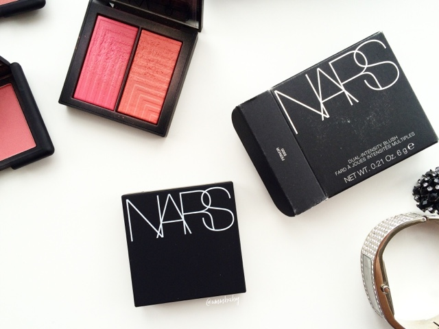 flatlay nars dual intensity blush in panic on nc40 skin