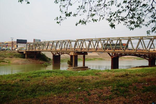 кампонгтхом мост