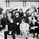 Karl Lagerfeld (au centre) à sa droite,  Rita Labéguerie, maire de Cambo et à sa gauche, Inès de La Fressange  (fin années 80)