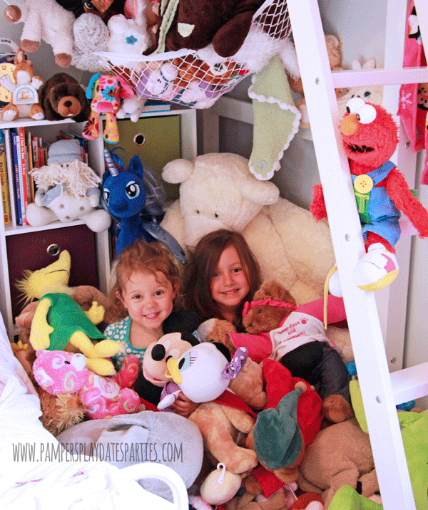 Kids-Covered-in-Stuffed-Animals