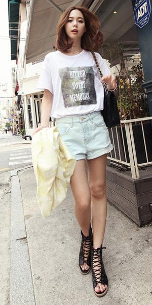 2 phong cach don gian voi jeans rach  17