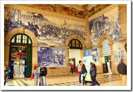 La gare de São Bento est un chef d'œuvre de l'art des Azulejos.