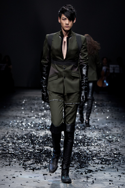 Chi Zhang Composes a Symphony of Style [men's fashion]