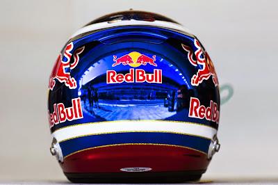 шлем Даниила Квята с российским гербом для Гран-при России 2014