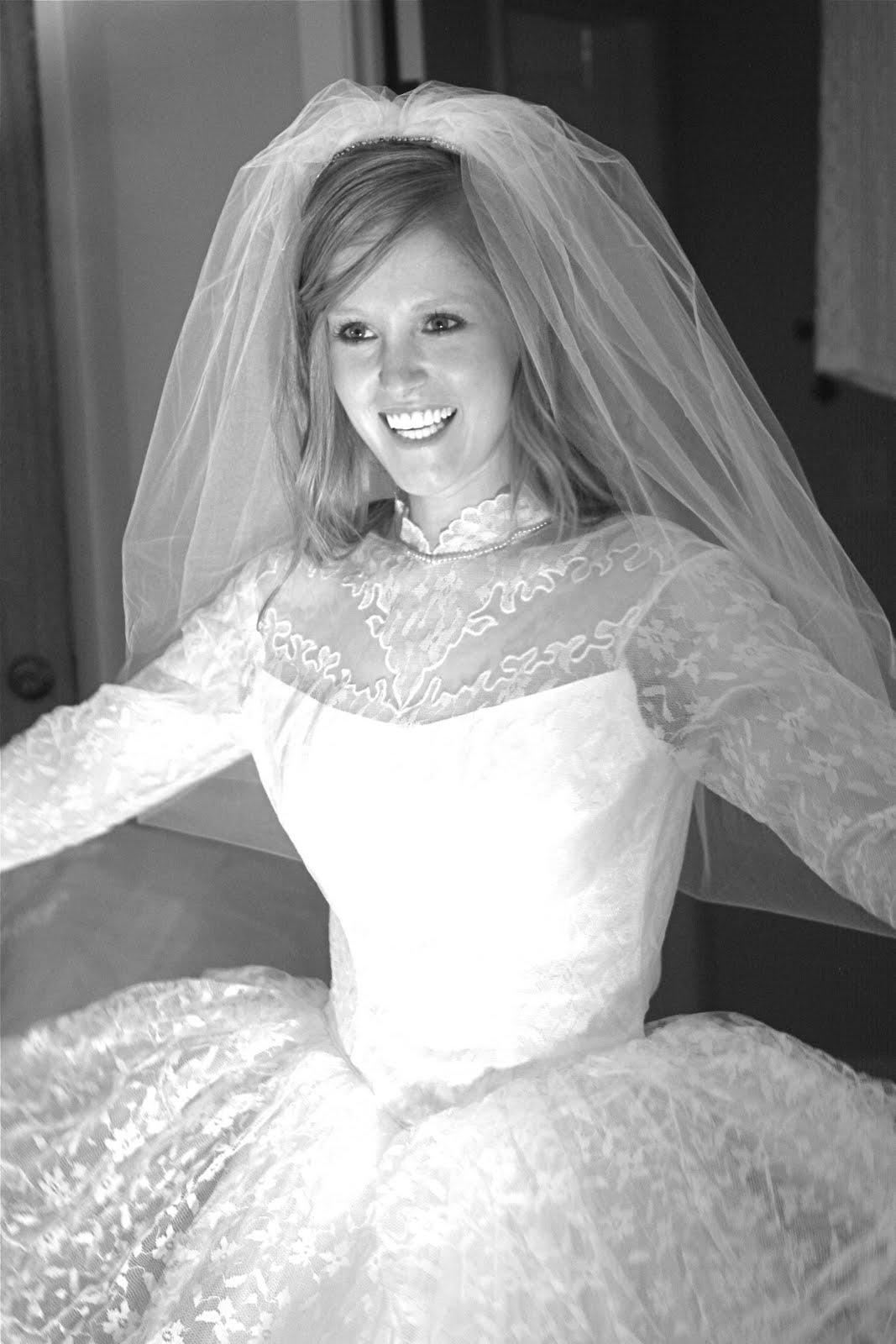 Lizzie Jayne 50s style wedding