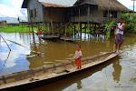Bo ulicami osad na Inle są trakty wodne.