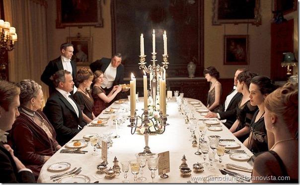 dpwnton abbey luxury dinner table