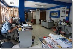 im Büro von Morales