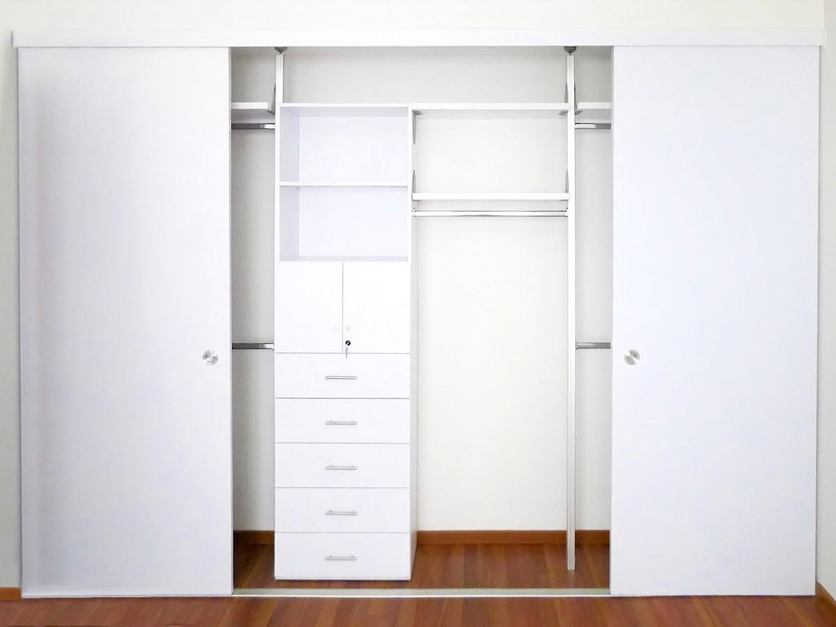 Closets econ micos closets de melamina orbis home for Modelos puertas para closet