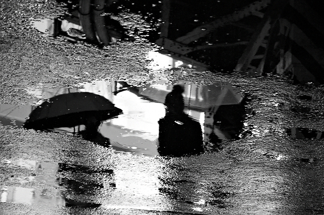 Shinjuku Mad - Rain like whisper, corrodes silence 08