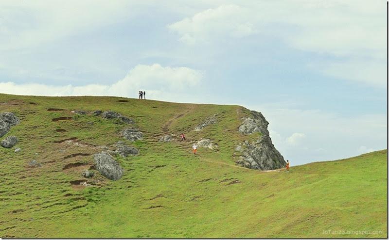 Batanes-Philippines-jotan23- tinyan-viewpoint hiking