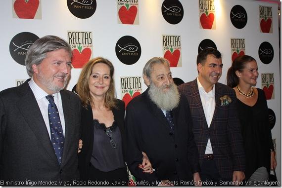 El ministro Íñigo Mendez Vigo, Rocio Redondo, Javier Repullés, y los chefs Ramón Freixá y Samantha Vallejo-Nágera