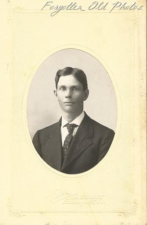 Gustav henderson Crookston ant