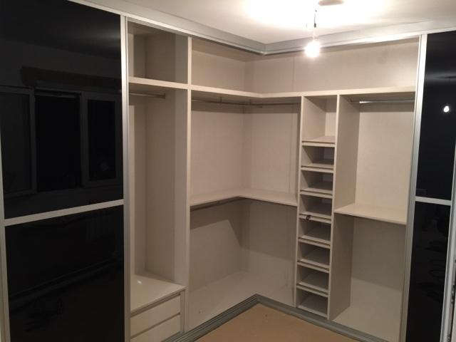 Karpinteria puertas armarios y tarimas trabajos de - Diseno interior armarios ...