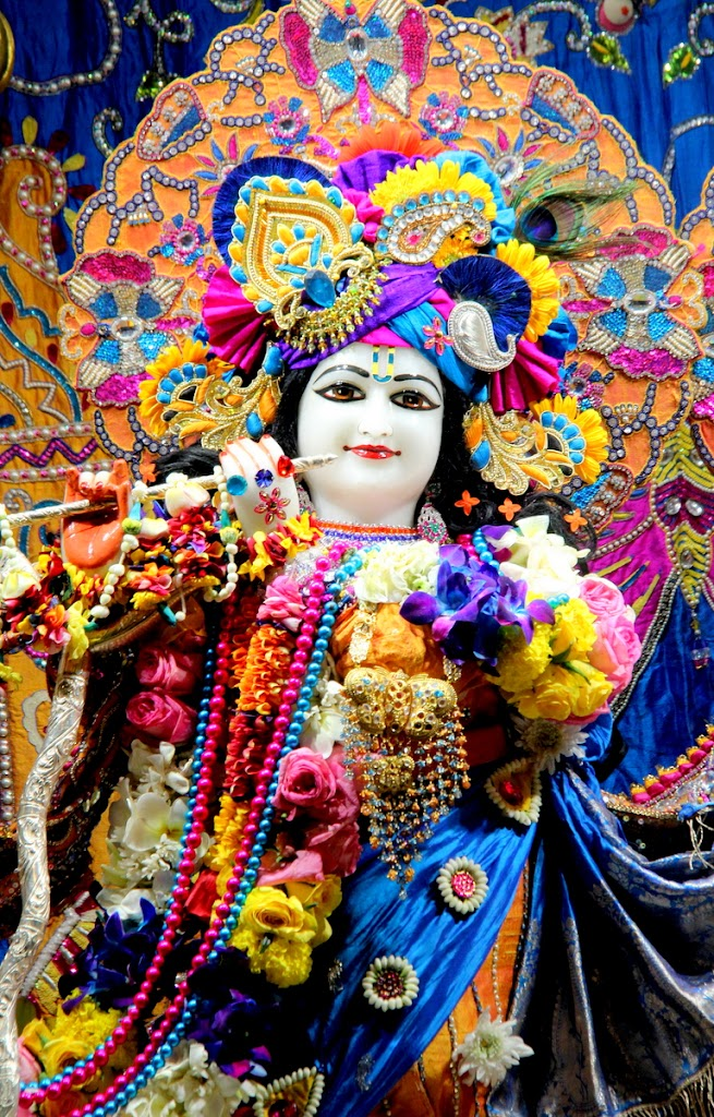 ISKCON Juhu Sringar Deity Darshan 14 Jan 2016 (4)