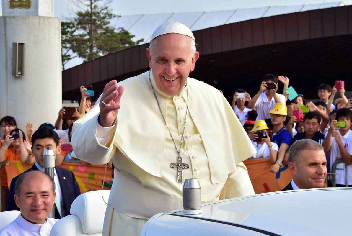 PopeFrancis-15Aug2014-1.jpg