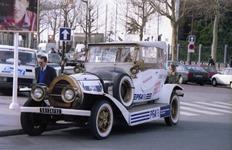 1990.02.18-082.10 la plus haute voiture du monde