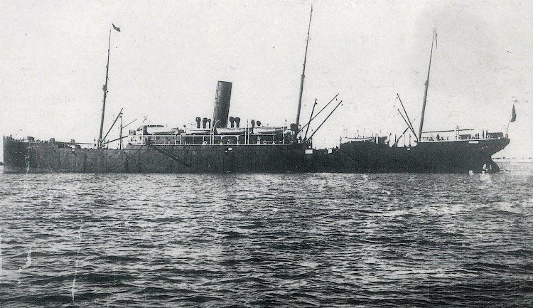 El vapor MANUEL CALVO. Foto de la revista LA VIDA MARITIMA. AÑO 1904.JPG