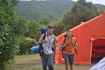 Los Scouters de Clan de vuelta de la ruta