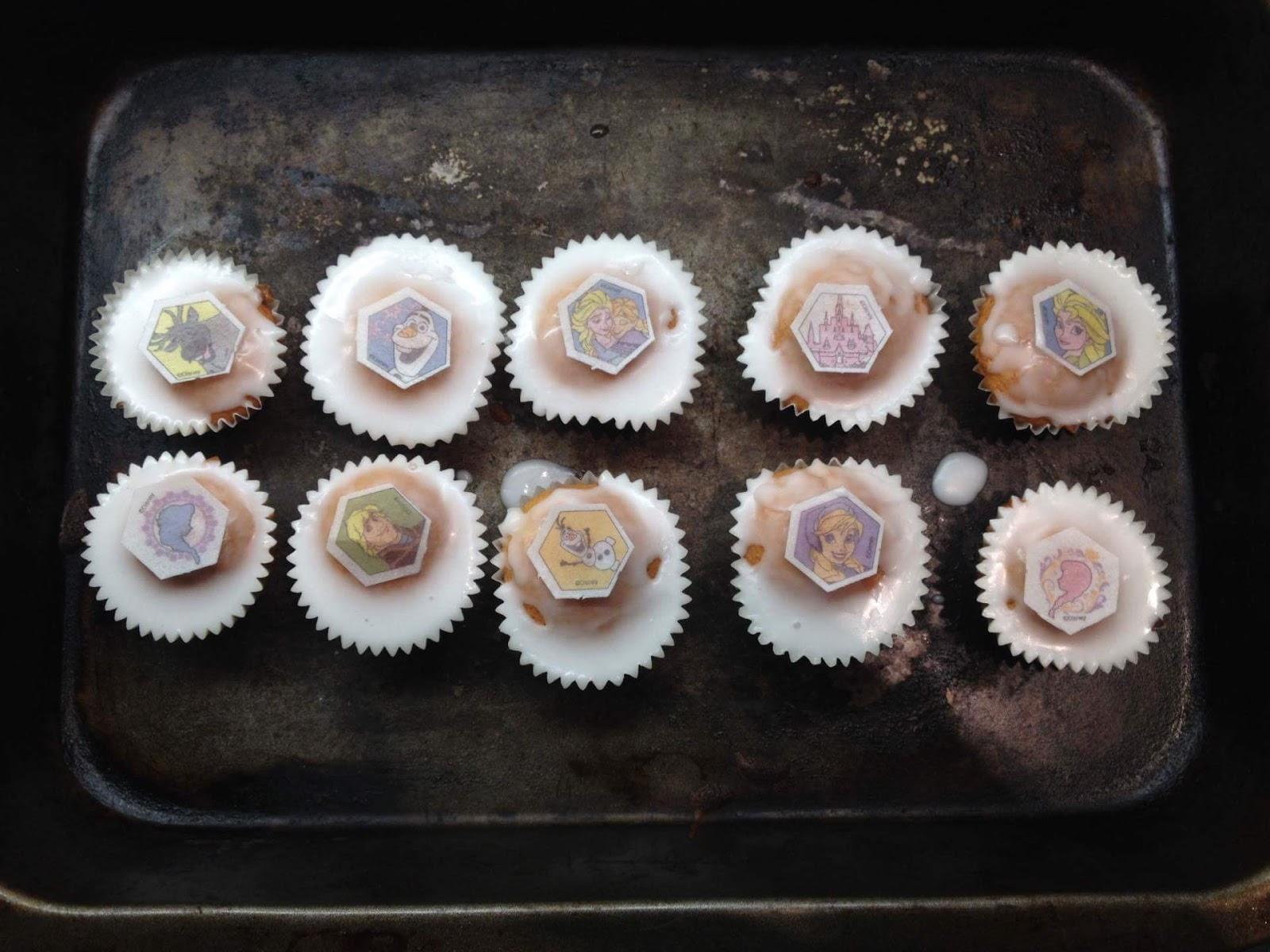 BLOGMAS: Frozen Cupcakes