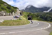 Sustenpaß, Westrampe. Von Innertkirchen kommend. Am rechten Bildrand ist ein Stück des Steingletscher zu sehen.
