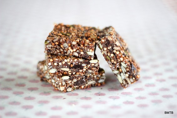Quinoa Snack Bars by Baking Makes Things Better