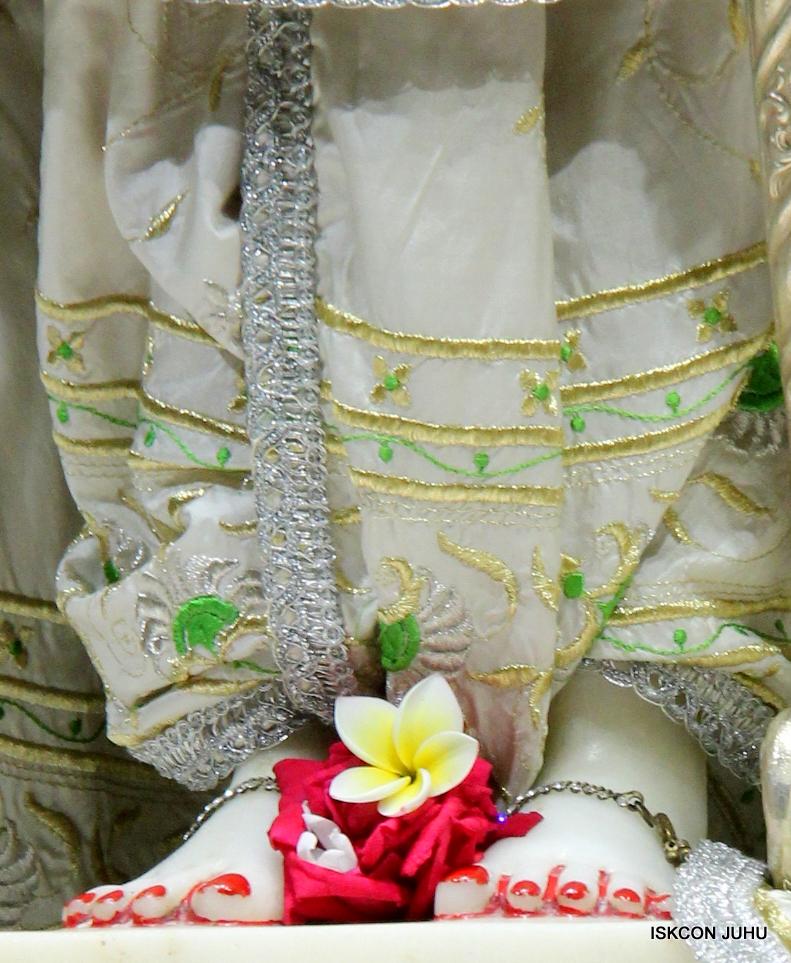 ISKCON Juhu Mangal Deity Darshan 21 Jan 16 (1)