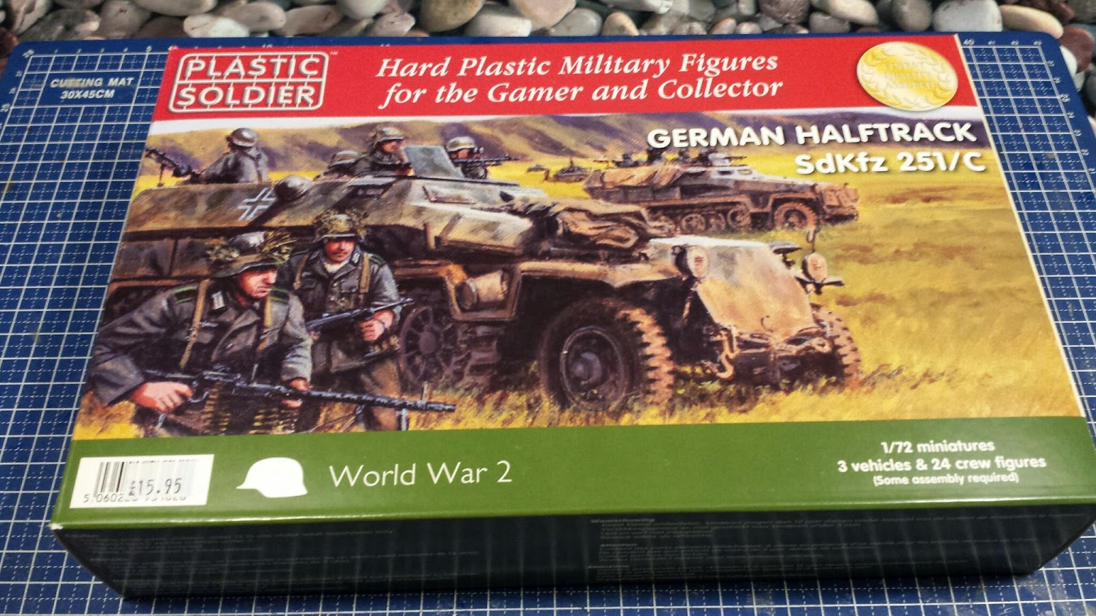Review: 1:72 SdKfz 251/C Halftrack by Plastic Soldier Company