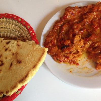hmiss, recette hmiss, recette hmis simple, hmis, poivrons, piments, poivrons grillés, huile dolive, lidl, galette, galette a la semoule, mesarticlesdujour, blog cuisine, ail, pain turc