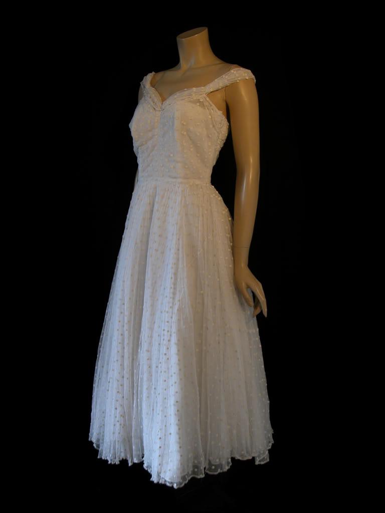 1940s style wedding dresses