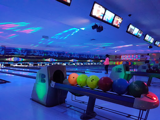 Chateau Lanes, 1145 Nairn Ave, Winnipeg, MB R2L 1S5, Canada, Bowling Alley, state Manitoba