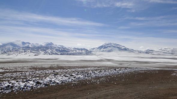 Neve no Deserto do Atacama