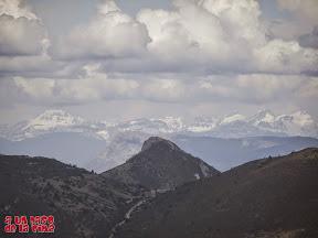 Vista desde la cima hacia Bisaurín y Aspe ©aunpasodelacima