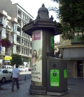 Renovación de todo el mobiliario urbano de la ciudad, homogeneizando su imagen