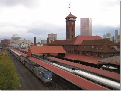 IMG_0084 Amtrak P42DC #124 at Union Station in Portland, Oregon on October 23, 2009