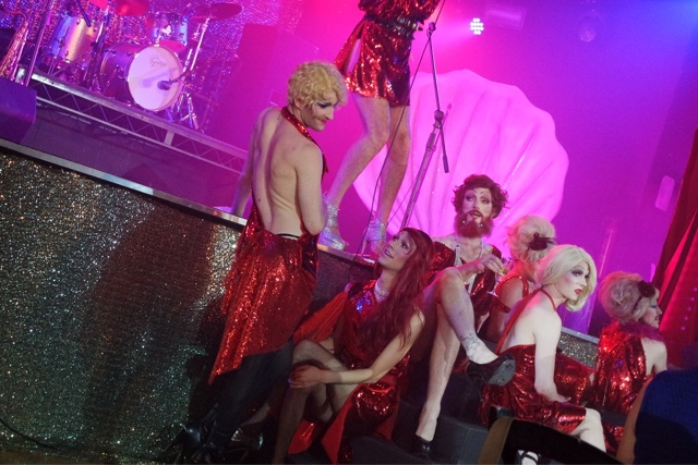 #glamclammeatslam-q-grill-camden-review-the-glam-clam-gizzi-erskine-sink-the-pink-drag-queens
