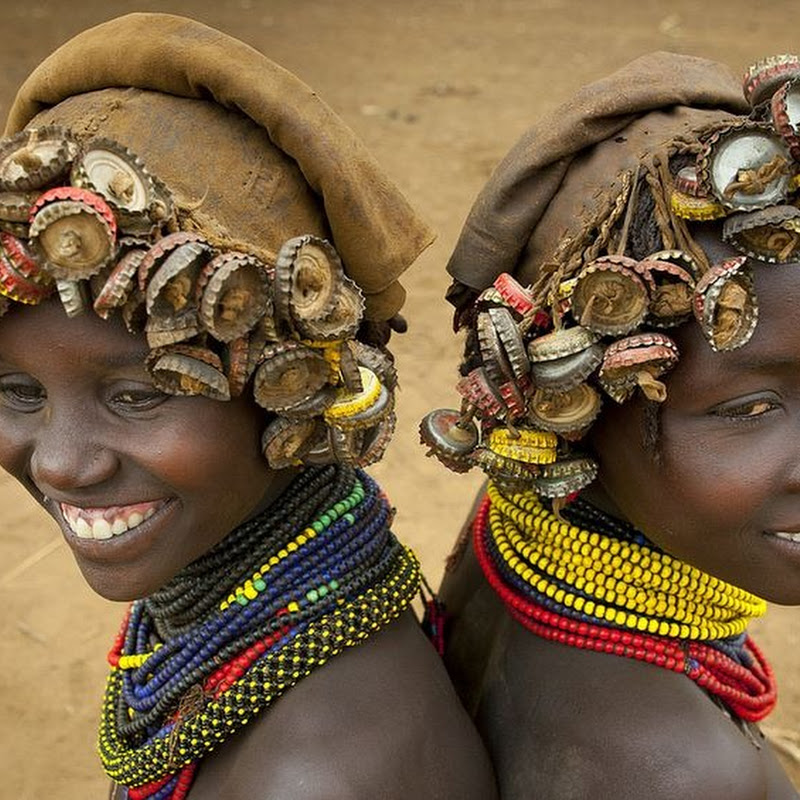Ethiopian Tribe Recycles Modern World's Discards Into Fashion Accessories