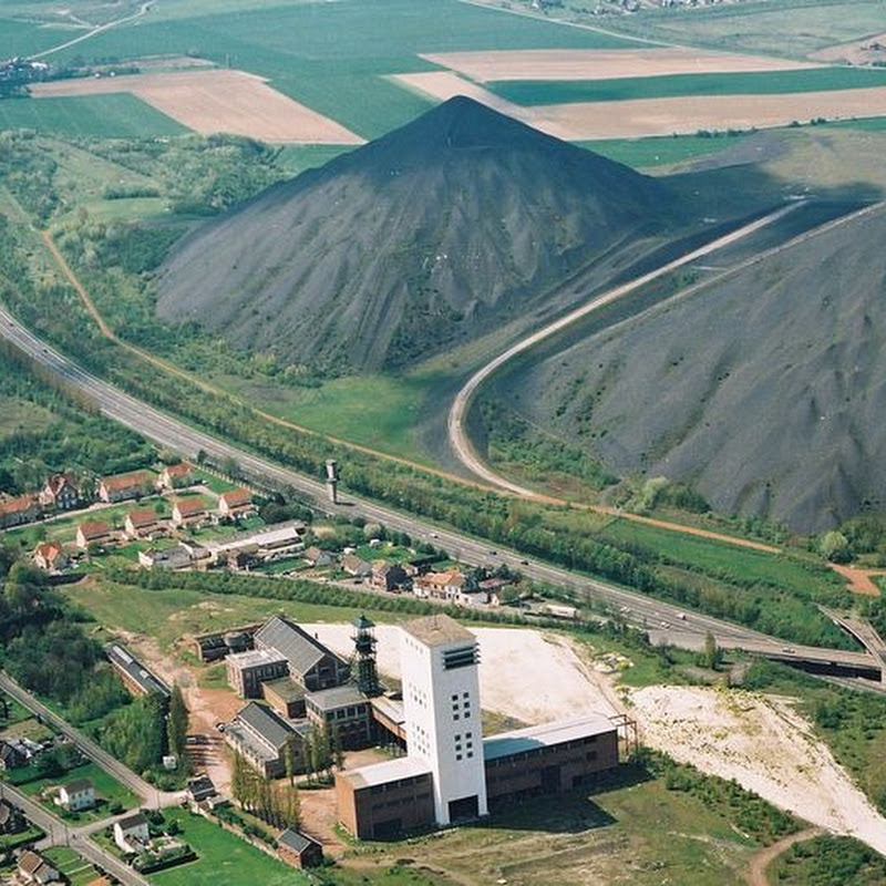 The Slag Heaps of Loos-en-Gohelle
