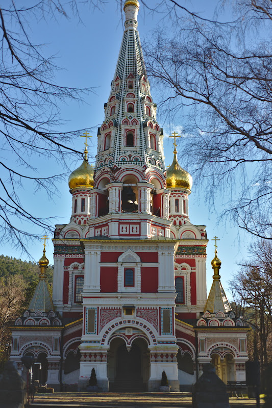 Biserica in stil muscovit din Shipka, ridicata dupa razboi ruso-turc din 1877.