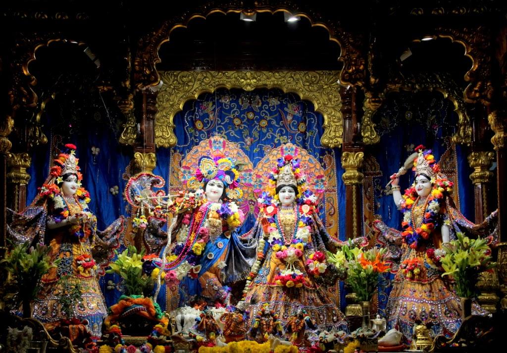 ISKCON Juhu Sringar Deity Darshan 14 Jan 2016 (1)