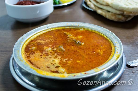 yemeğe hazır bol acılı, sarımsaklı beyran, Metanet Lokantası Gaziantep