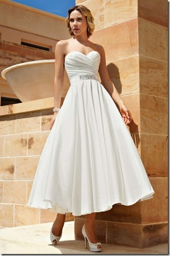 dr195-demetrios-destination-romance-wedding-dress-primary