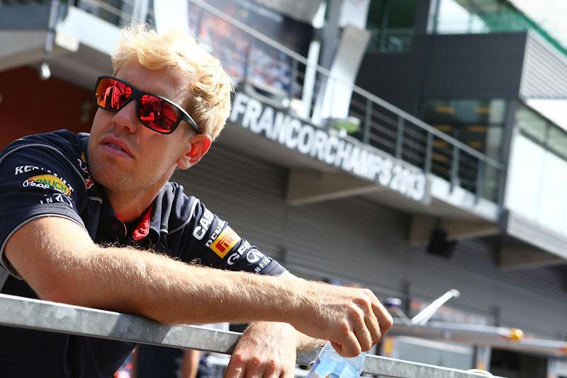 Себастьян Феттель блондин на Гран-при Бельгии 2013