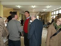Rozmowy uczestników w czasie przerwy na kawę